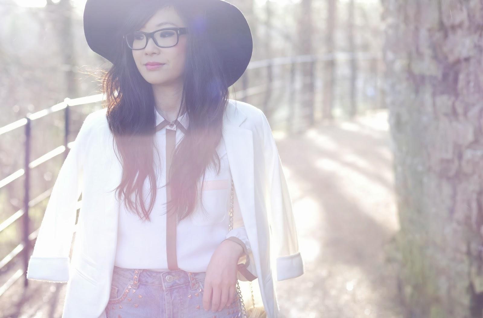 Ways to wear cream blazer, how to wear Laura Ashley, how to wear wear, what to wear with a cream blazer