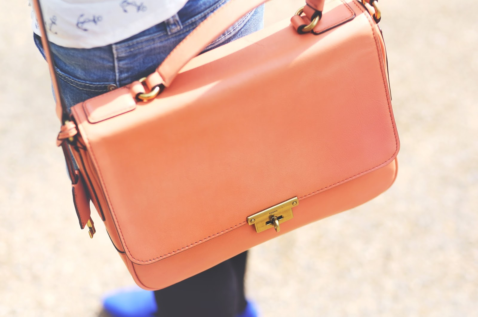 orange bag, how to style bright bags