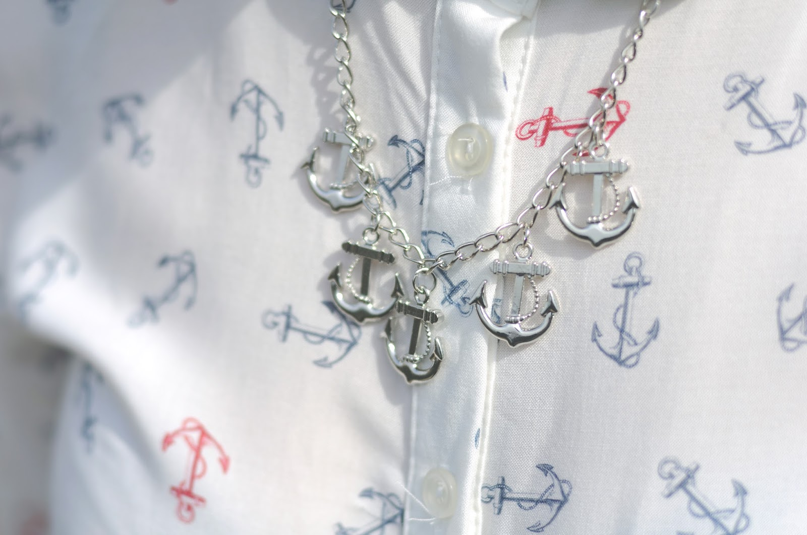 How to style an anchor shirt, nautical style