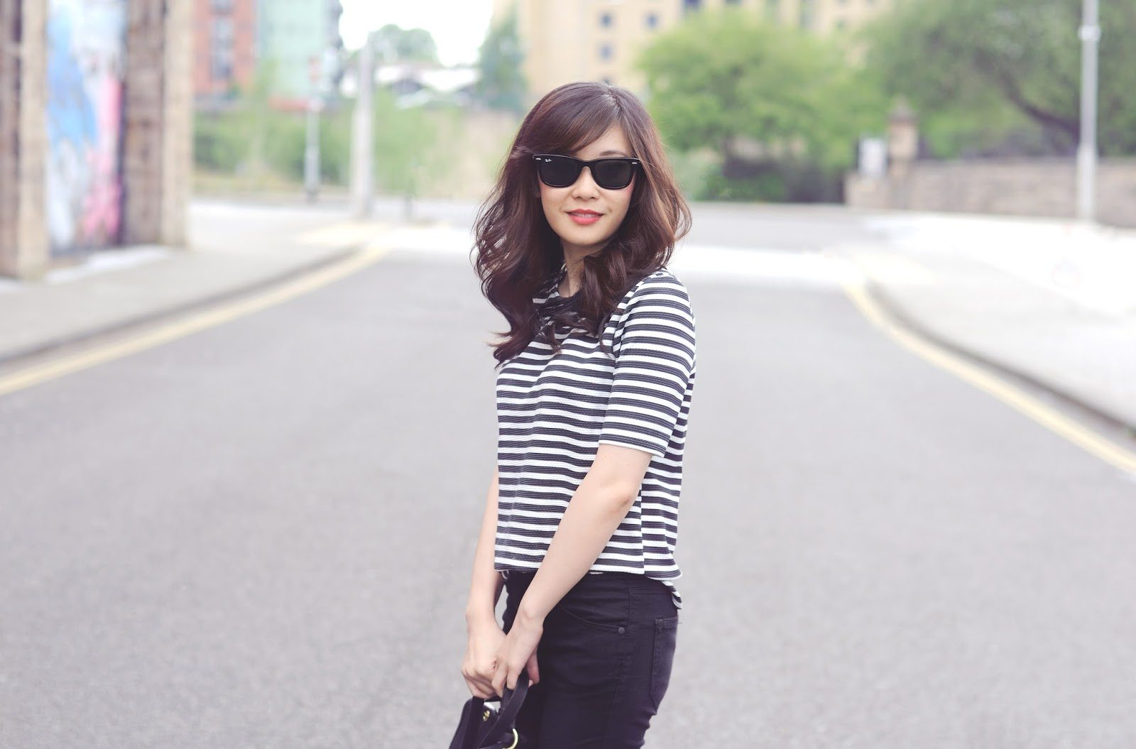 wearing monocrhome in summer, breton striped top