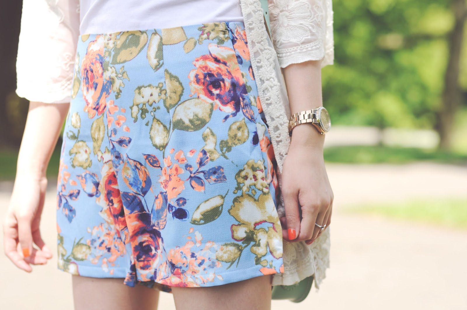 floral shorts for summer, how to style floral shorts