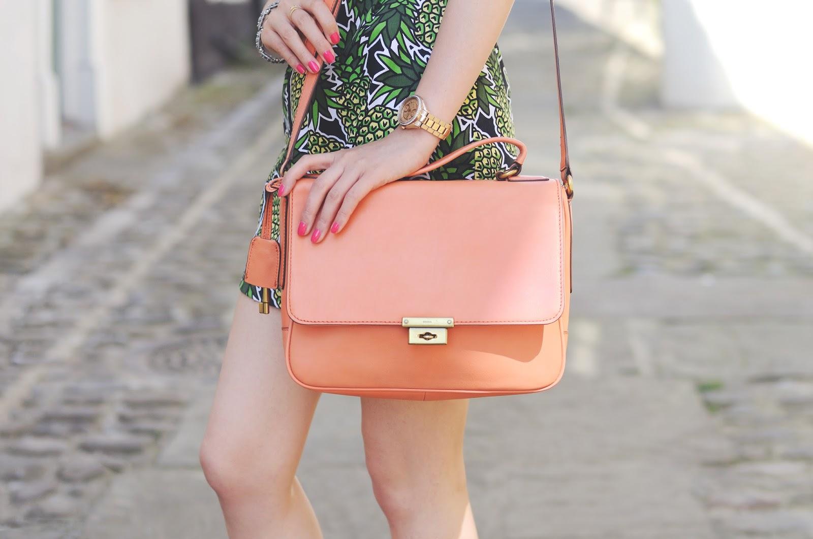 what to wear with orange handbag, how to style orange handbag