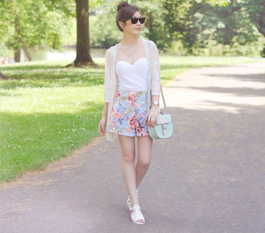 How to style a white kimono, ways to wear a white lace kimono