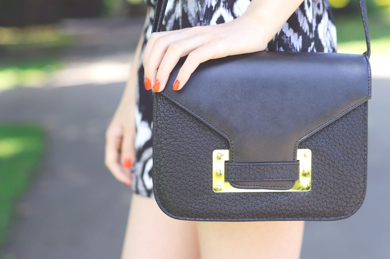 small black bag, black and gold bag, verycouk bag