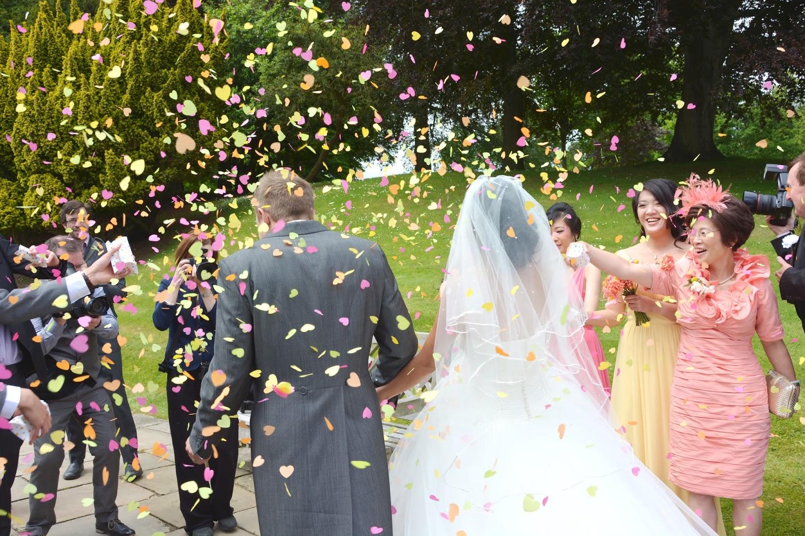 heart shaped wedding confetti, summer wedding