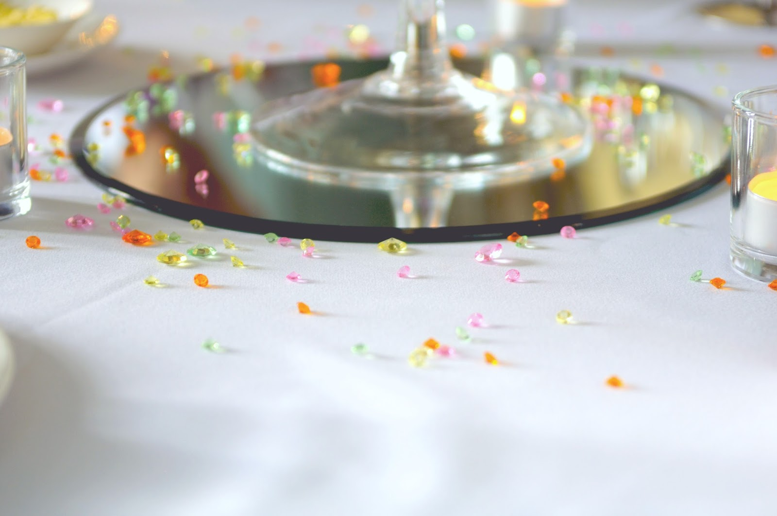 wedding table sparkles