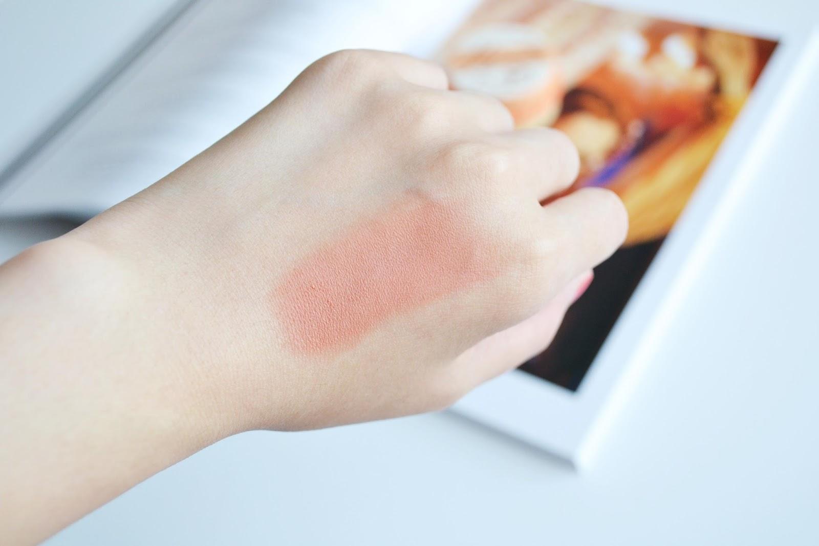 Majorette Benefit swatch, benefit cosmetics majorette swatches