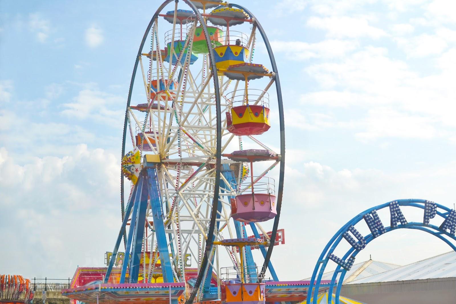 ferris wheel, colour ferris wheel, fairground, scarborough