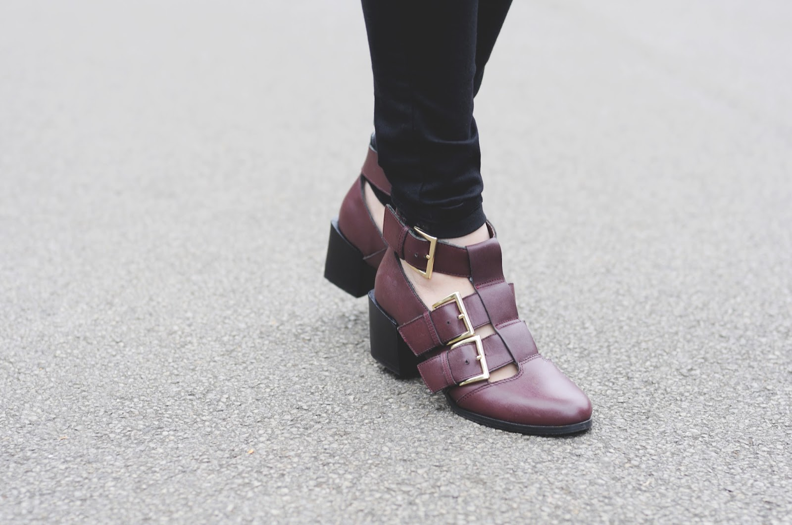 how to wear cut out ankle boots, how to wear burgundy boots