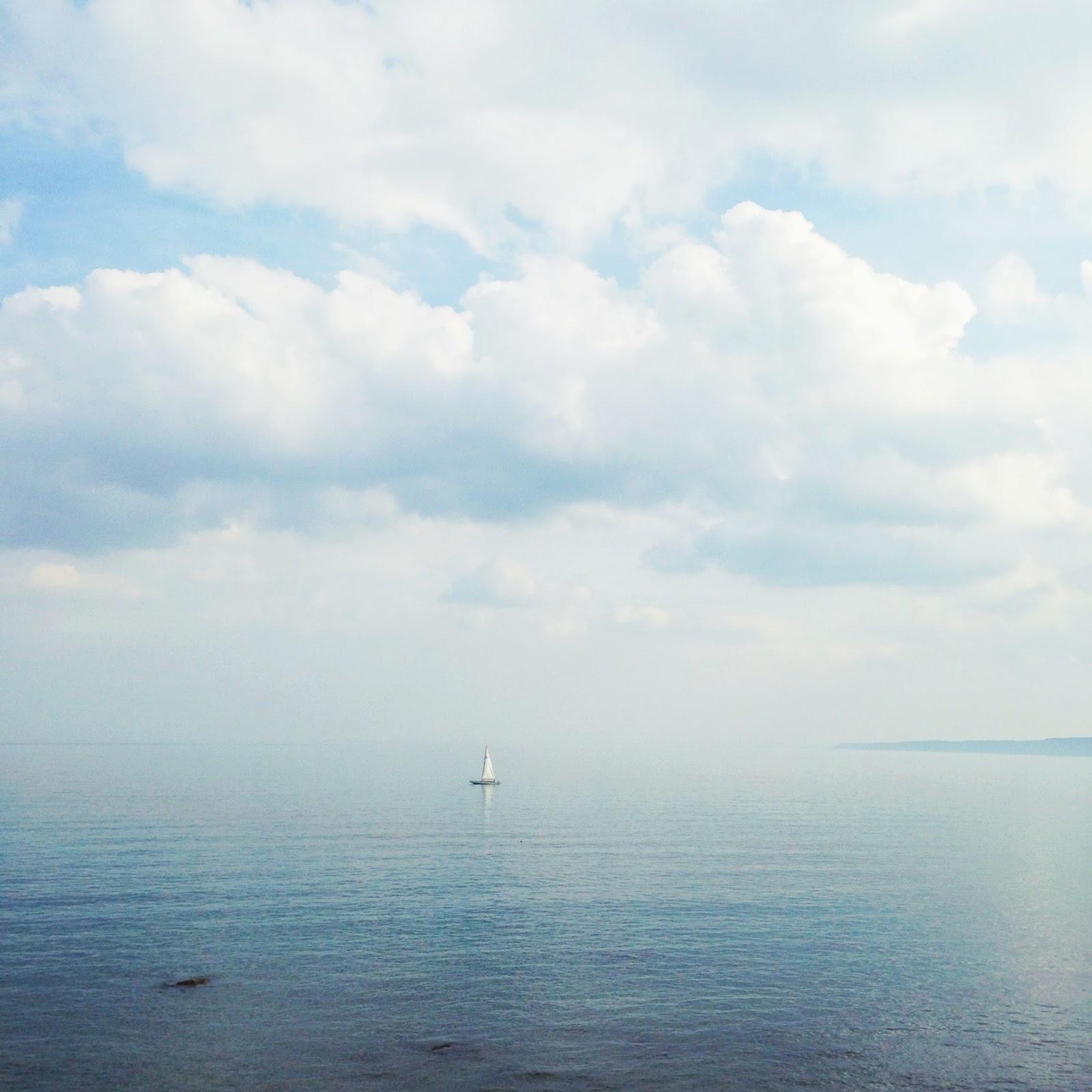 scarborough sea, coastal town, british coast