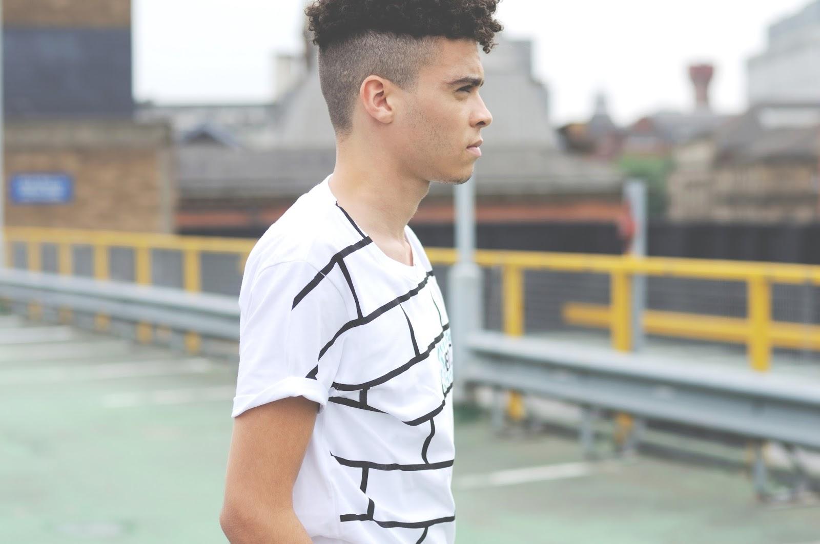 monchrome tshirt, grid print top, grid print tshirt