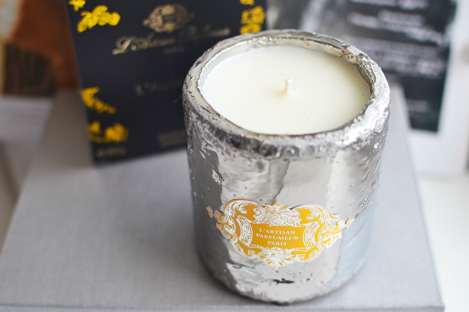 l'artisan perfumeur l'atuomne candle