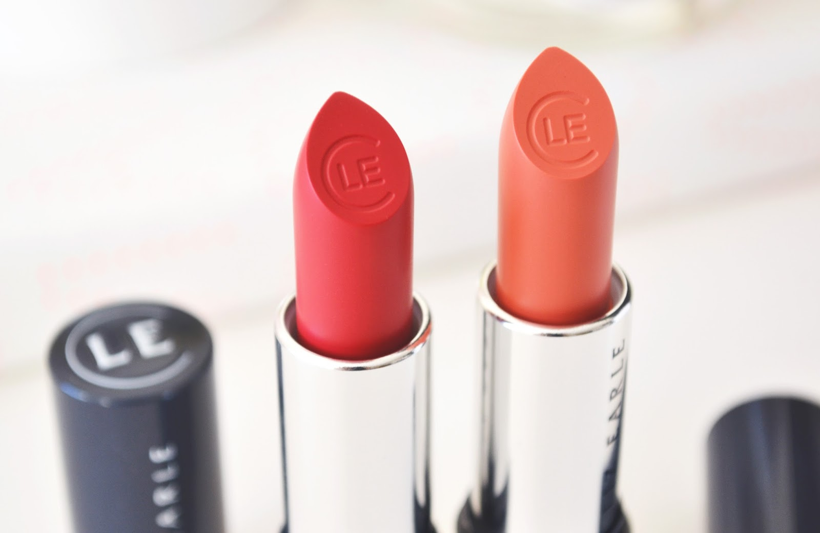 Liz Earle Lipstick Review, liz earle hibiscus, liz earle melon lipstick
