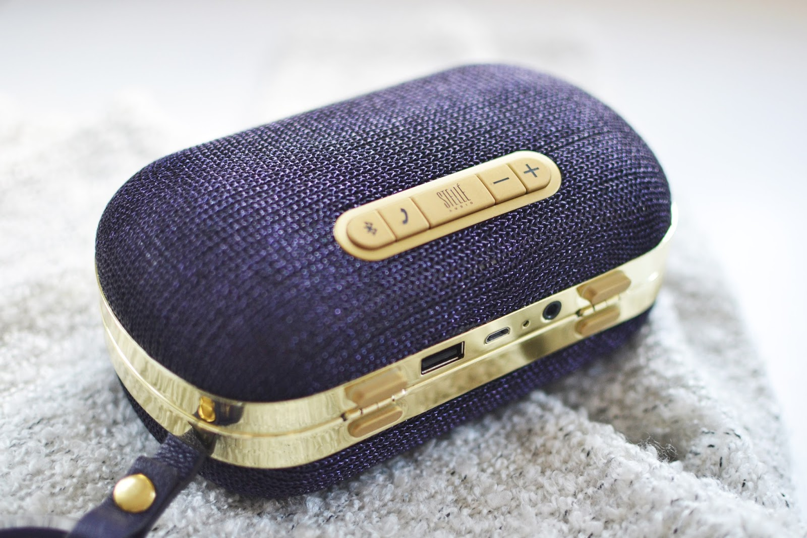 Stelle Audio Speaker Clutch Bag, wearable technology