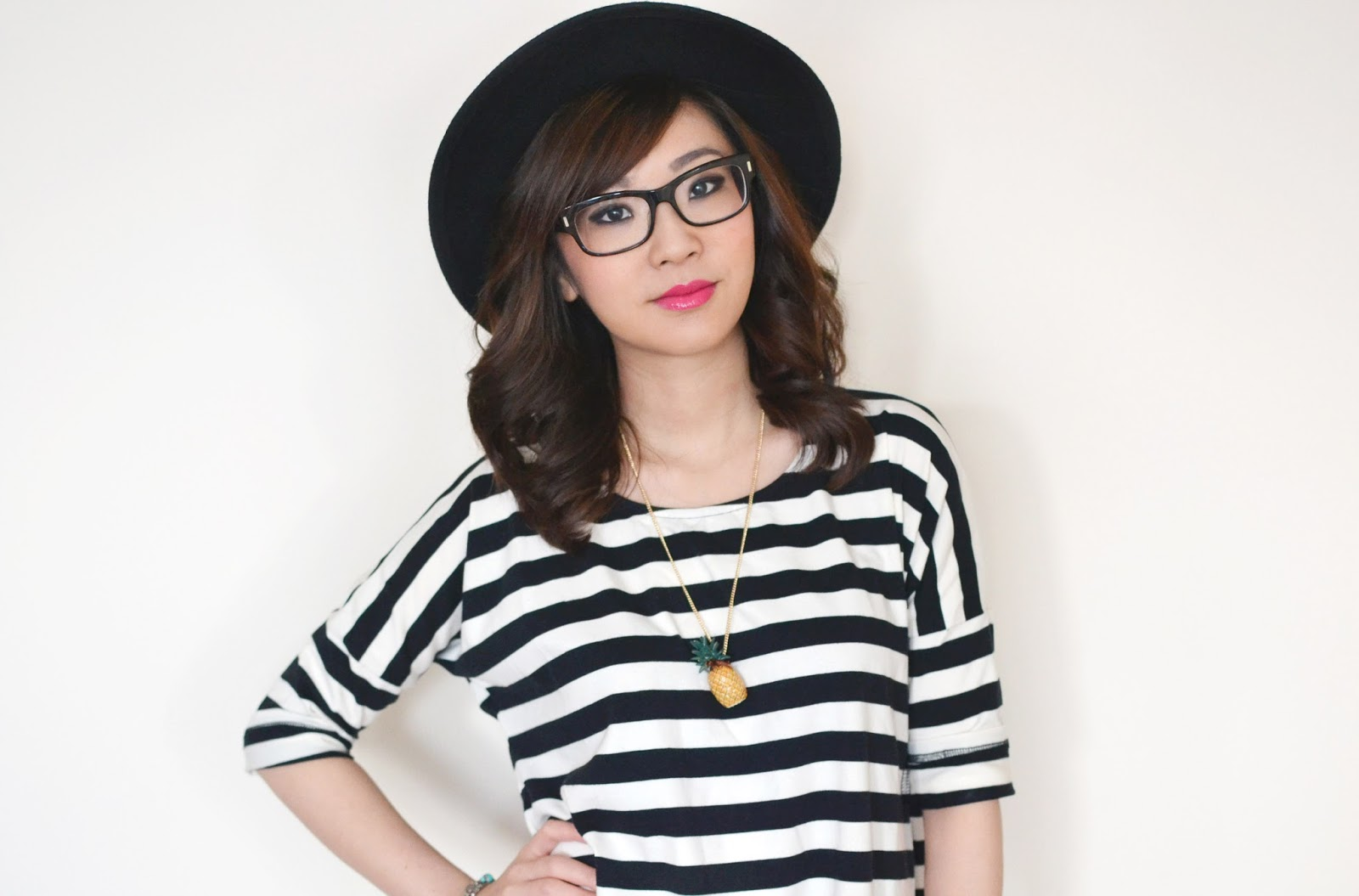 how to wear black and white stripes, how to wear monochrome, black and white stripy tunic