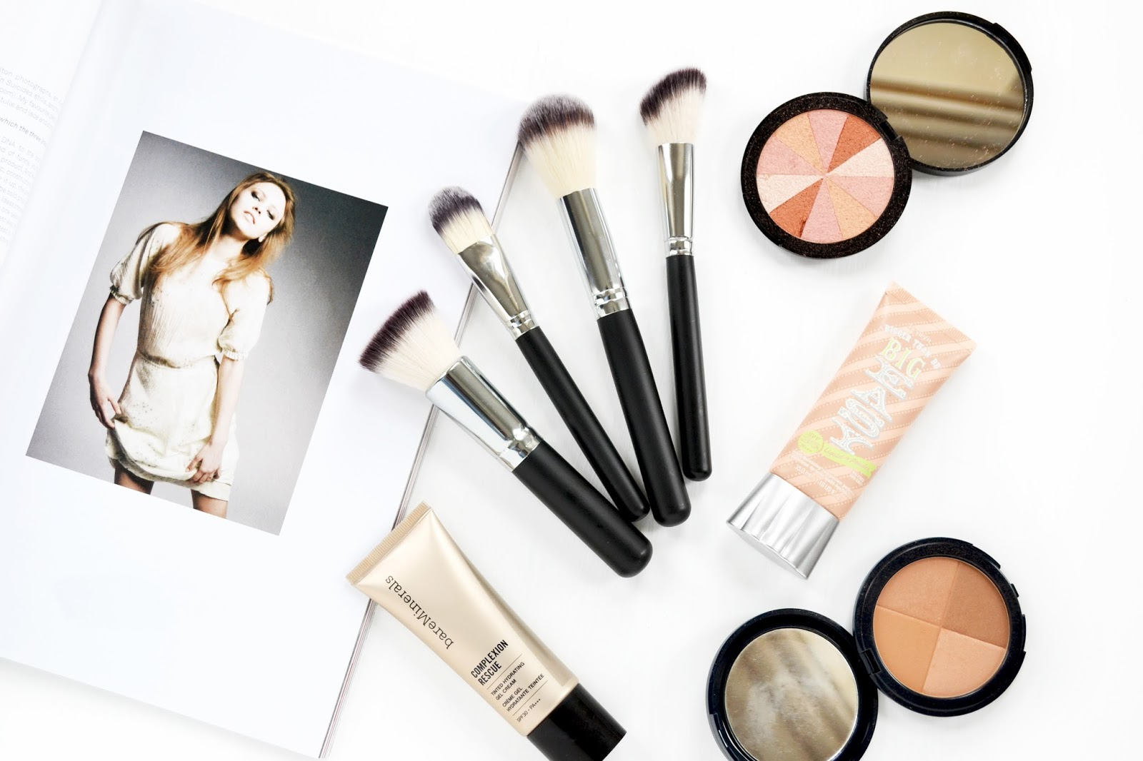 make up brushes for face and base products