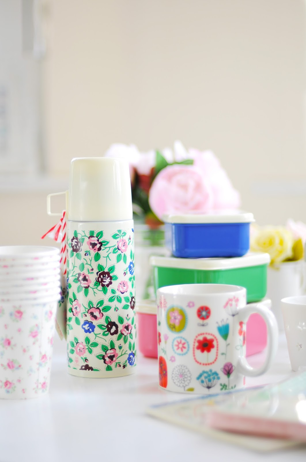 CHRISTMAS GIFT GUIDE: Cute Stocking Fillers - Temporary:Secretary Blog