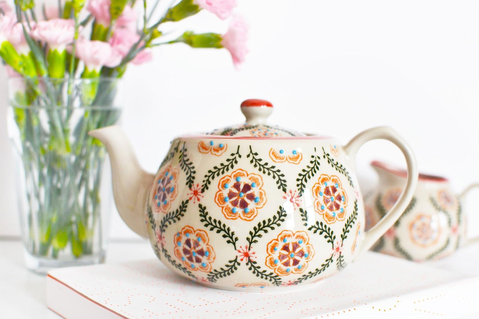 barcelona design stoneware teapot