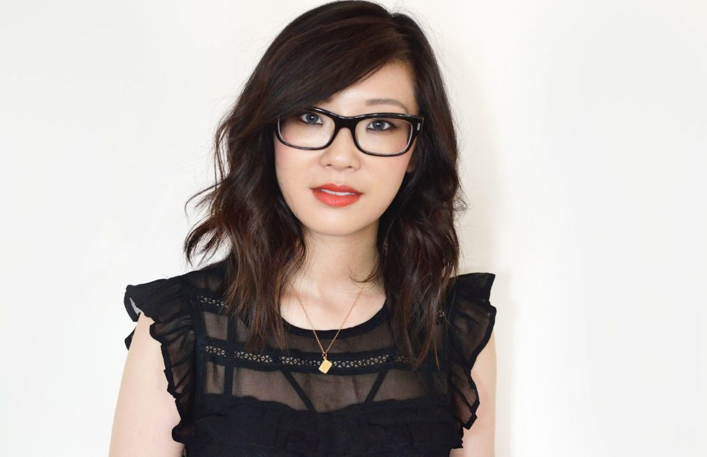 Make-Up Tips For Glasses Wearers, wearing grey contact lenses, grey air optix colour lenses