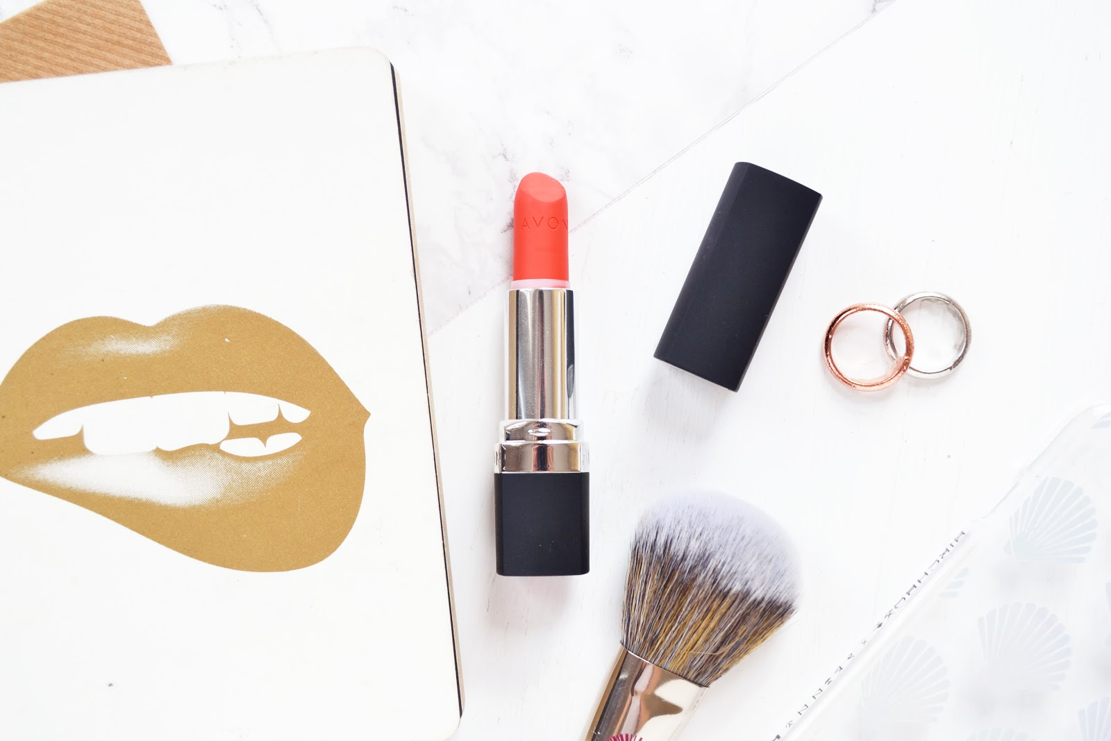 Avon true colour perfectly matte coral fever lipstick