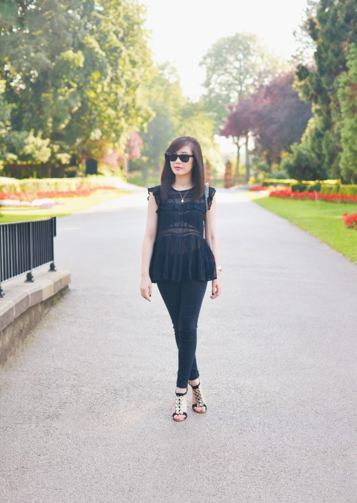 fashion blogger uk, all black outfit